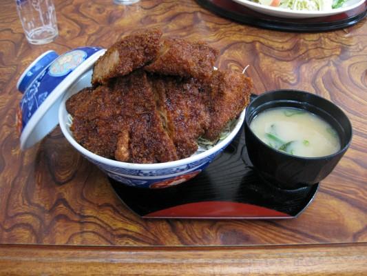 駒ケ根ソースかつ丼,志をじ
