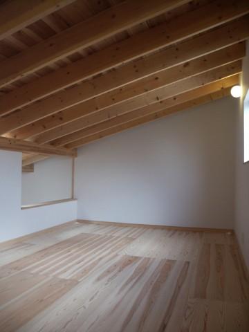 杉三層クロスボード床