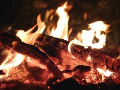 火を囲む暮らし