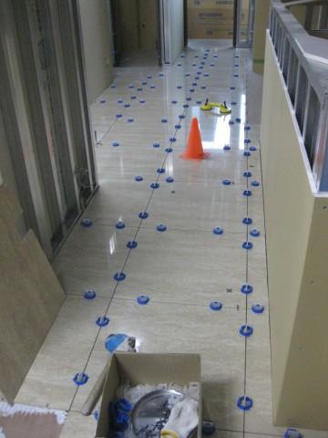 床タイル張り